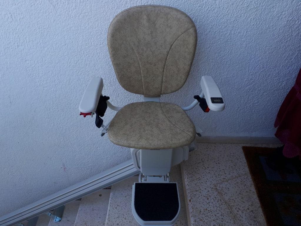 מעלון כסא - כסא לבן