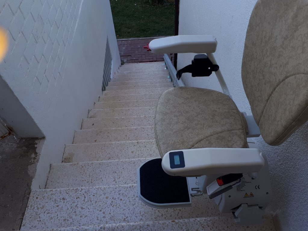 מעלון מדרגות - כסא יחיד