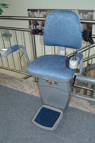 מעלון כסא מתעקל צבע כחול 2, מעלון ביתי