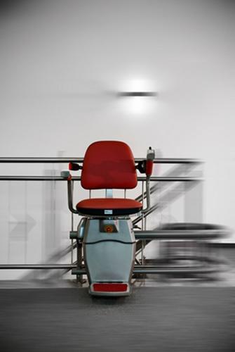 מעלון כסא, מעלון ביתיצבע אדום