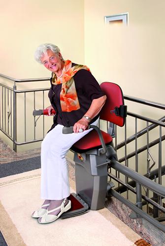 מעלון כסא מתעקל צבע אדום , מעלון ביתי